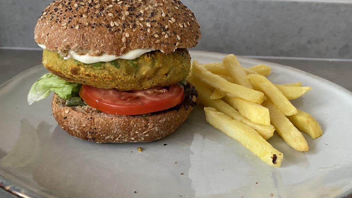 Zelfgemaakte vegan burger (recept)